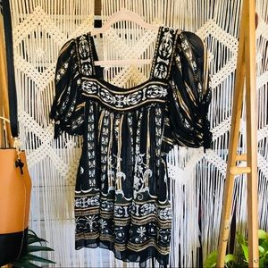 NWOT Gorgeous Bohemian Flare Top☀️